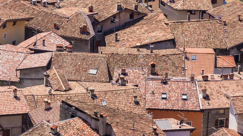 Italia, per la prima volta calano i residenti