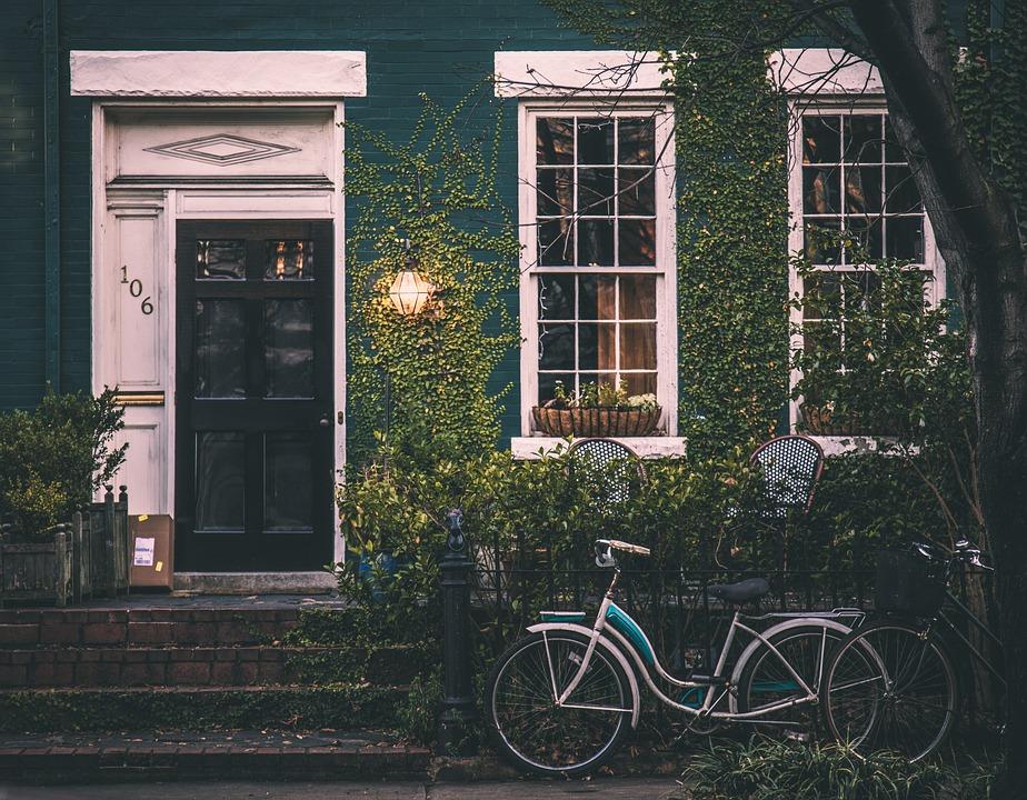 Cambiare casa: quali passi intraprendere